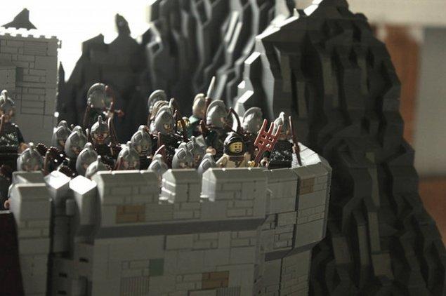 lego-helms-deep-9